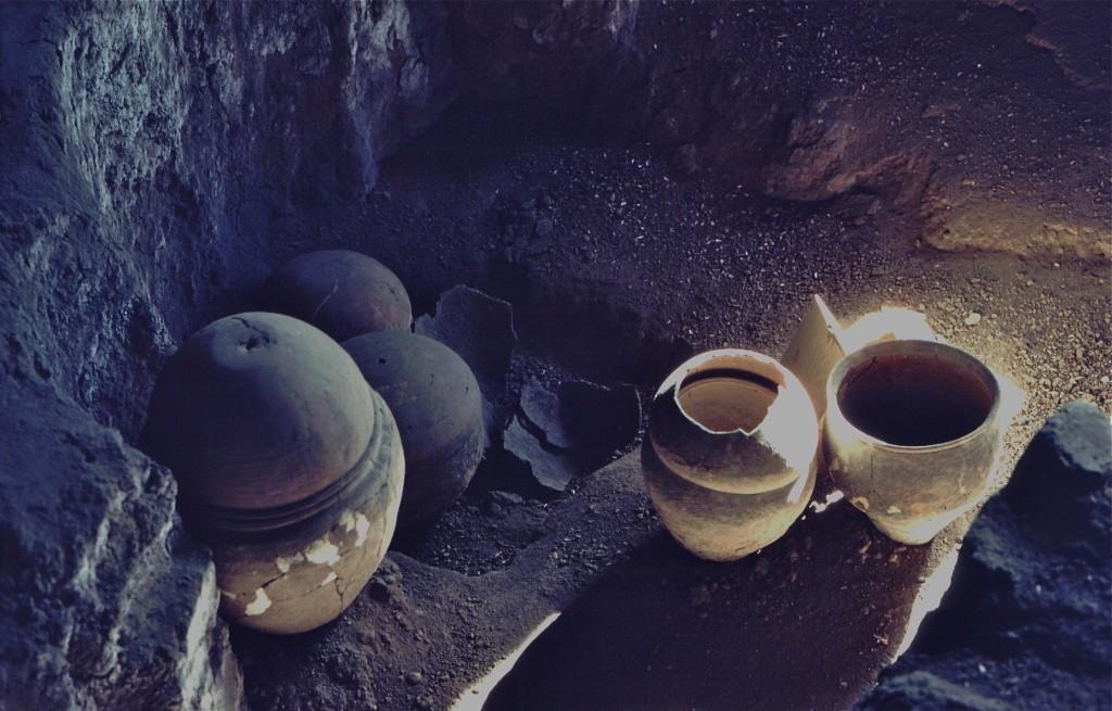 burialpots 3